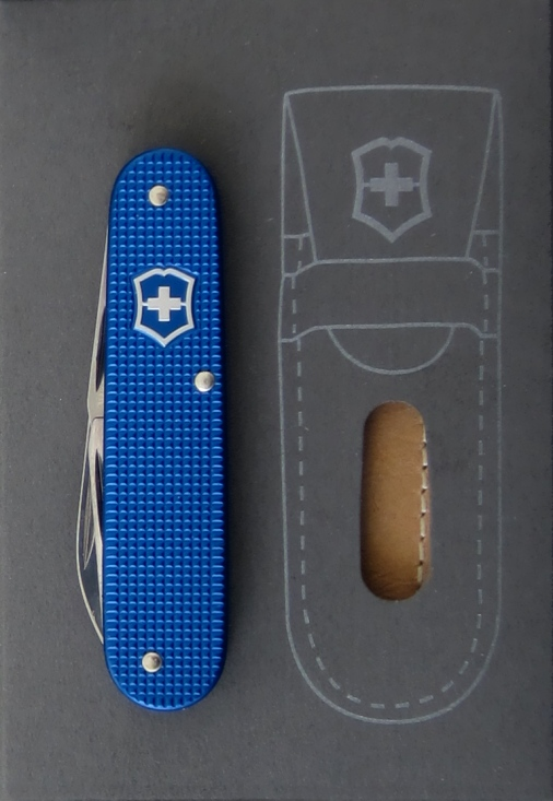 Victorinox Blue Alox Cadet without keyring from the 2012 5 Color Series. This color of blue Cadet is not very common, this is the first time they have been known to be made in a quantity exceeding a couple hundred units.