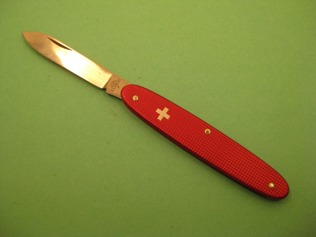 Victorinox Beginner 75mm. Picture by ColoSwiss