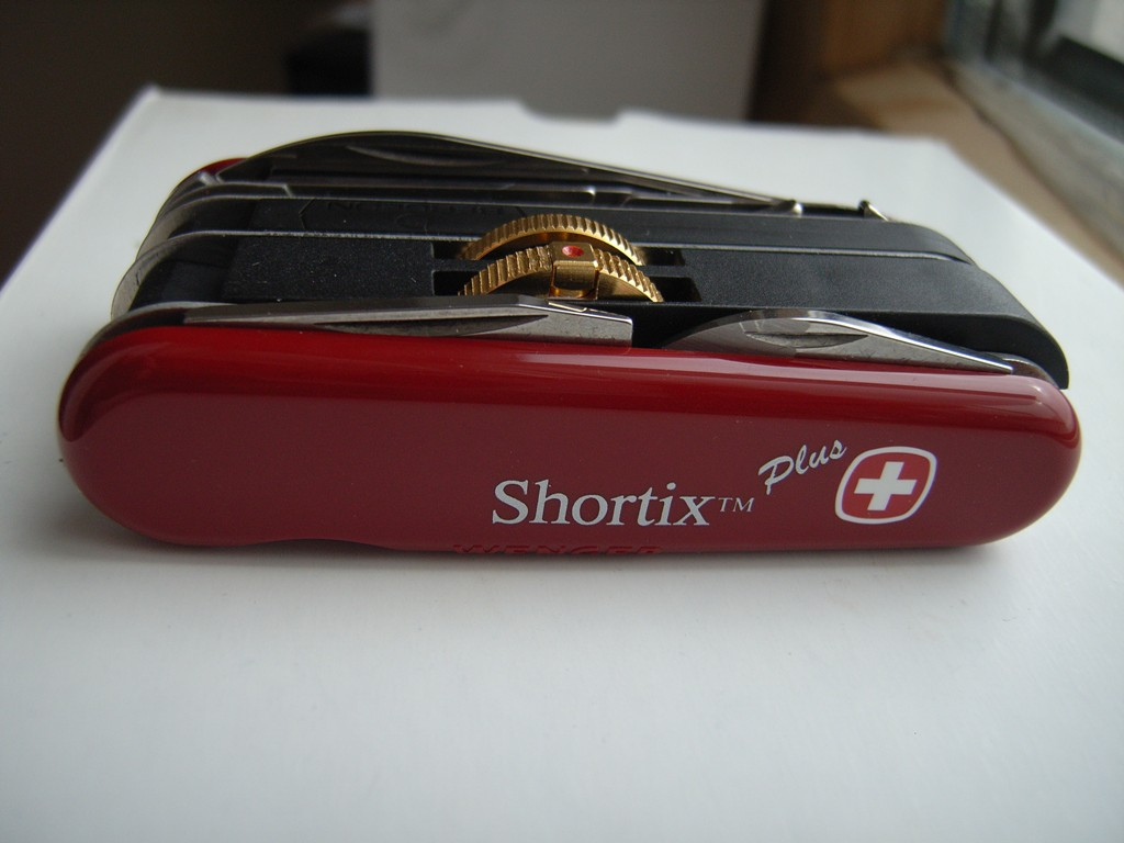 Wenger SGF Shortix Plus, Pictures by Gim.