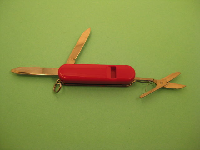 58mm Victorinox Whistle. Pictures by ColoSwiss.