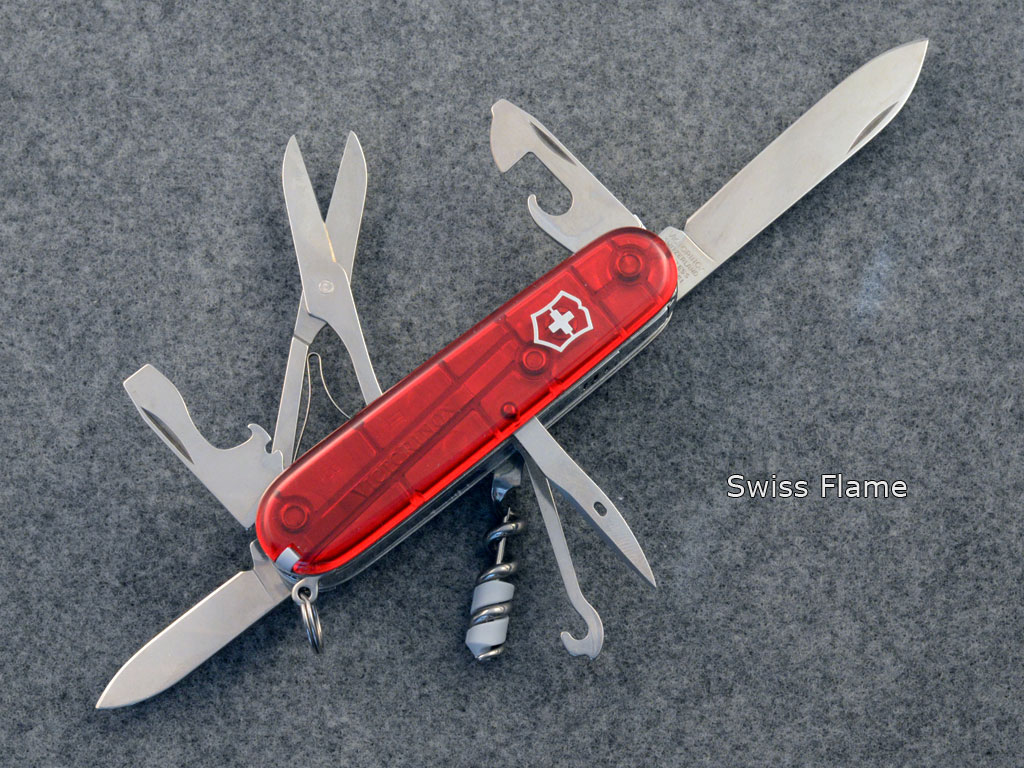 Victorinox SwissFlame. Pictures by jazzbass
